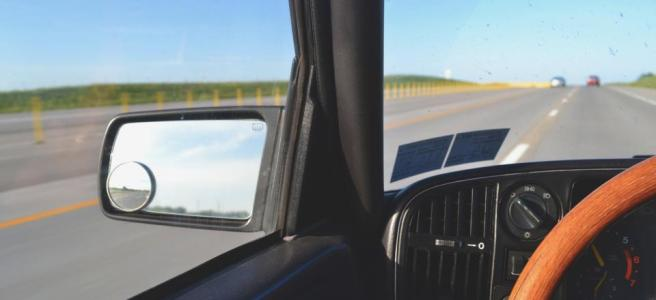 viaje-carretera-carro-universidad
