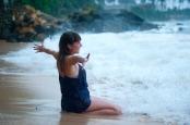 playa-vacaciones-diversion-mujer