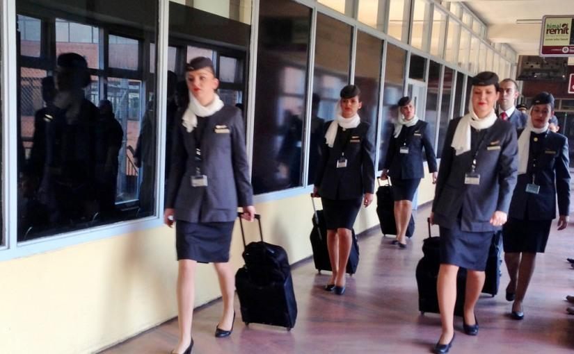 Requisitos para convertirte en auxiliar de vuelo de primeraclase